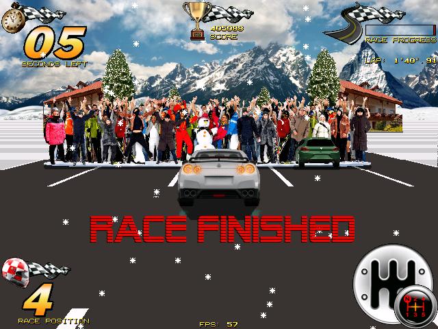 Amiga Racer meta jednego z etapów. Przed nami widać samochód wieżdżający w publiczność, jedno z licznych niedociągnięć gry.