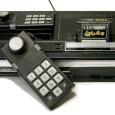 Debiutująca w sierpniu1982 roku.konsola ColecoVision miała w założeniach zakończyć dominację, będącego wówczas niekwestionowanym hegemonem Atari 2600. Chociaż produkt Coleco miał na to wszelkie argumenty, a w szczególności dobre jak na […]